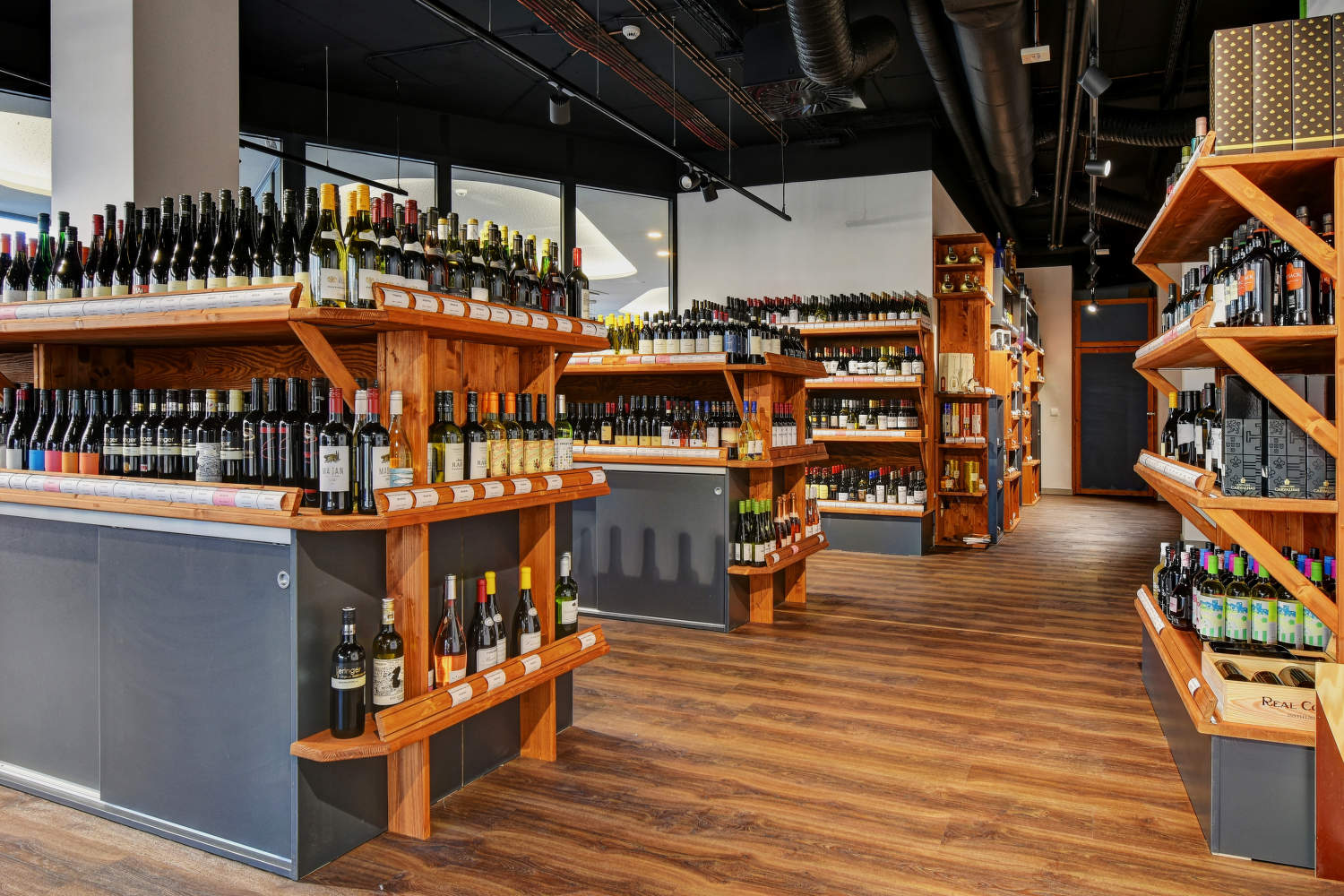 Global Wines & Spirits Holešovice
